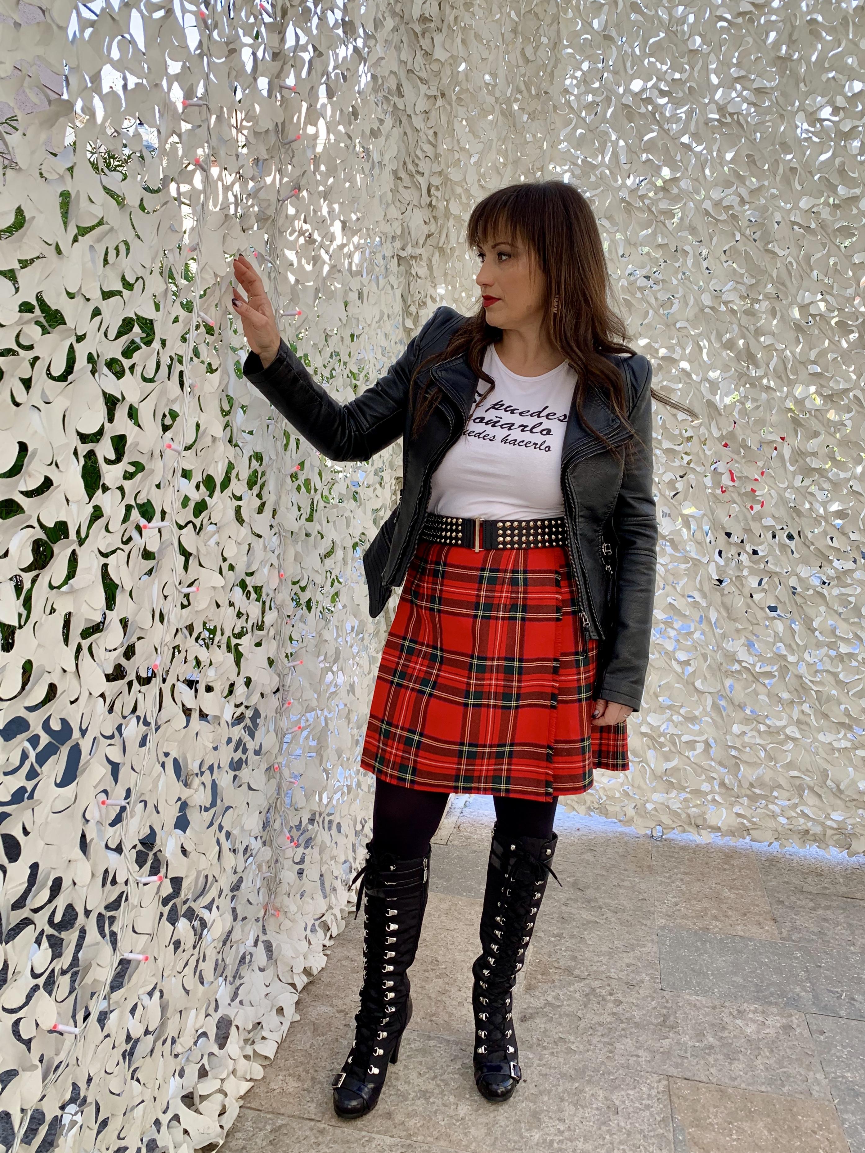 Whynotshopper, look, tendencias, falda, escocesa, camiseta, mensajes, tendencias