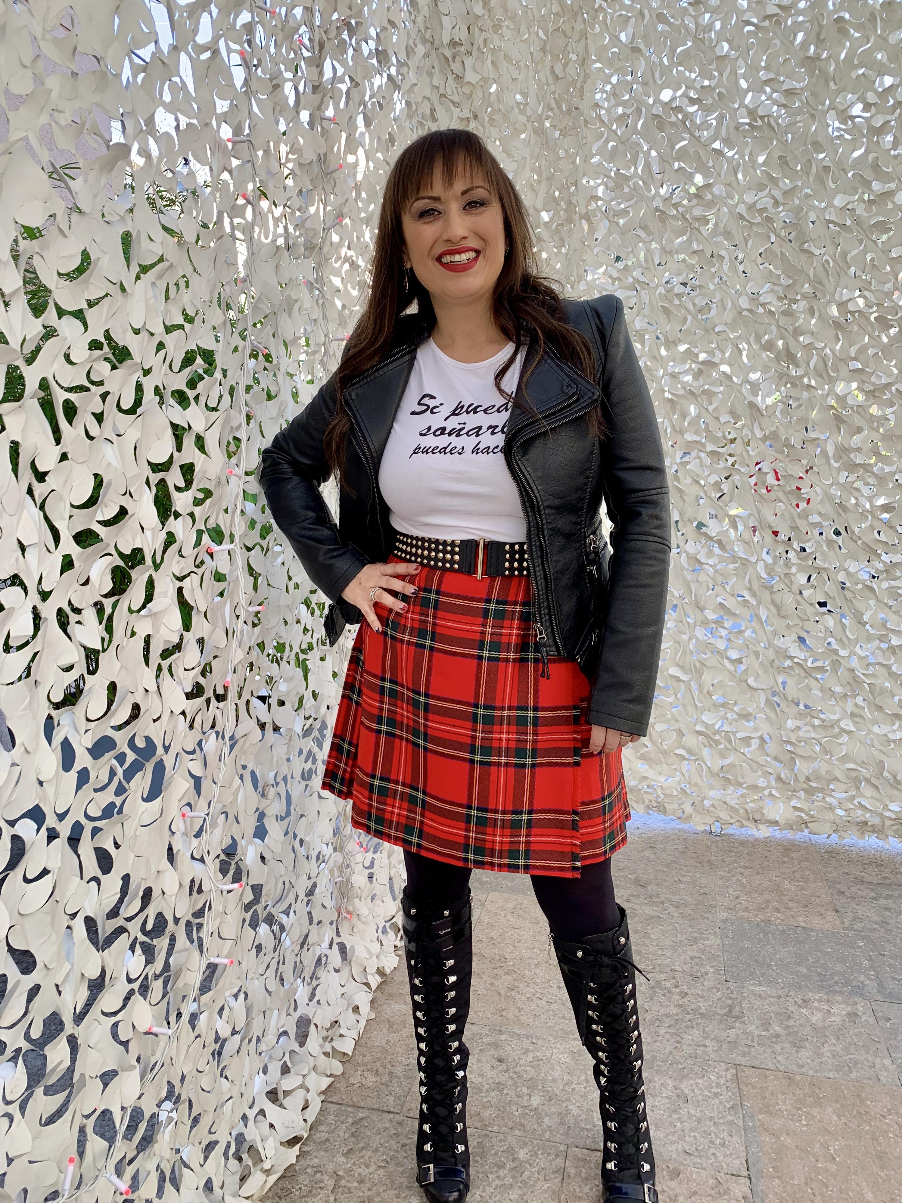 Whynotshopper, look, falda, escocesa, tartan, rojo,