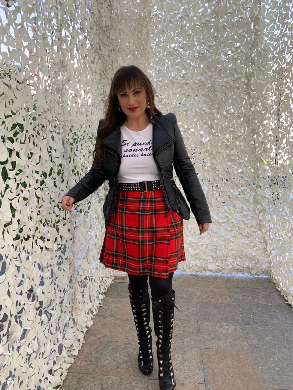 Whynotshopper, falda, escocesa, tartan, rojo, look, blogger, tendencias
