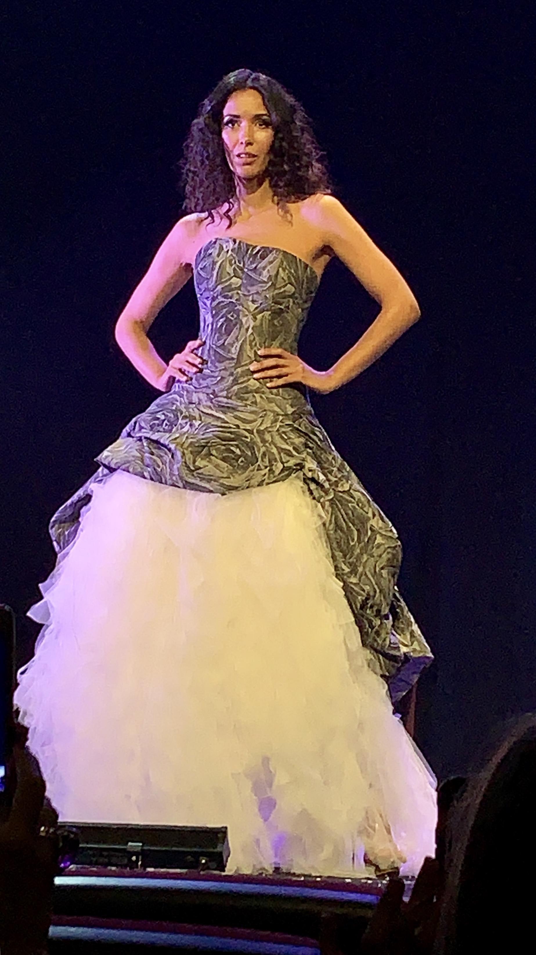 Erase-una-vez-colección-2020-jordi-Dalmau-novias-sobre-vestidos