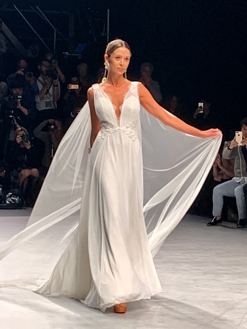 Inmaculada-garcia-cathedrals-coleccion-2020-valmont-Barcelona-bridal-fashion-week-barcelona-novias-nupcial-tendencias