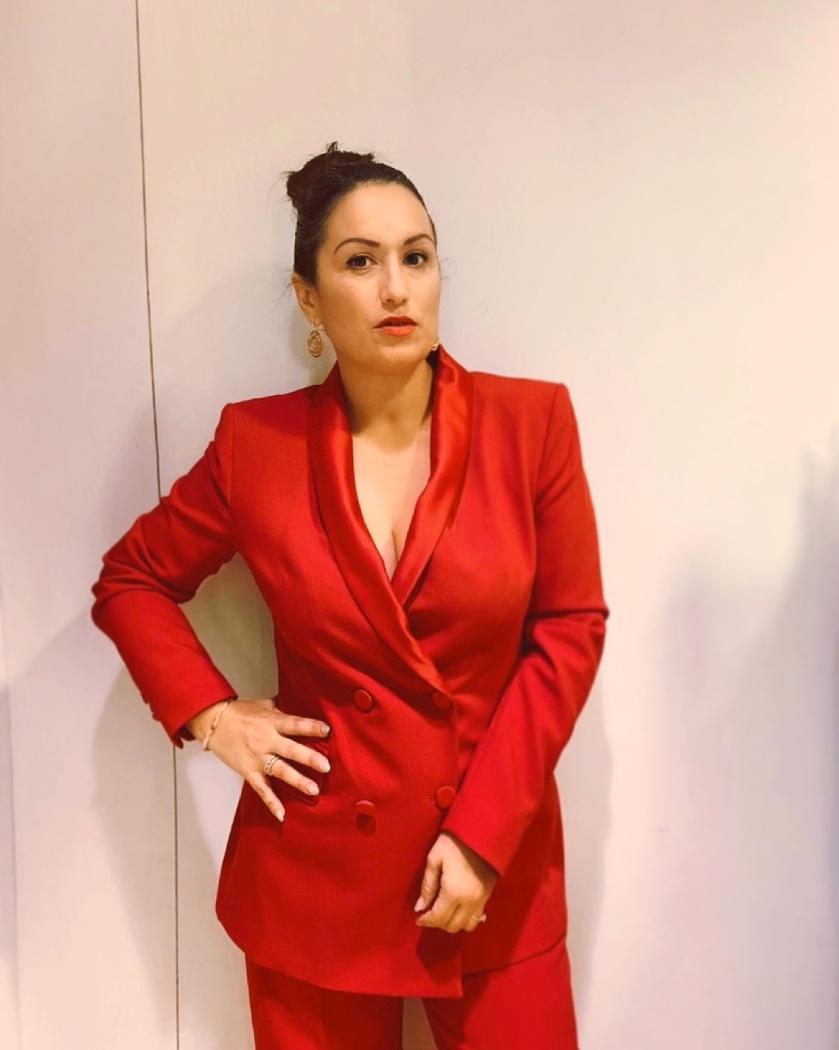 Whynot-shopper-traje-sastre-rojo-zara-tendencias