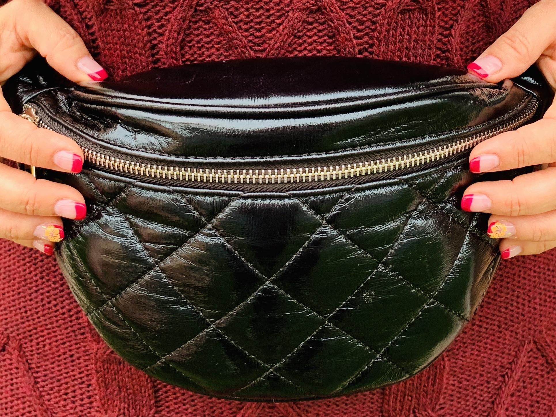 Whynot-shopper-riñonera-negra-acolchada-stilettos-moda-tendencias
