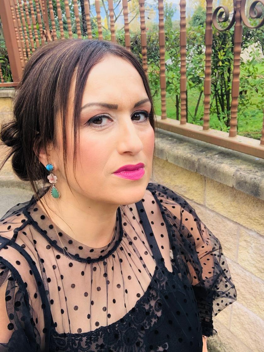Whynot-shopper-look-blusa-transparencias-topos-mulaya-blogger-consejos-bloggeros-invitada-perfecta-fiesta-outfit-look-makeup-complementos