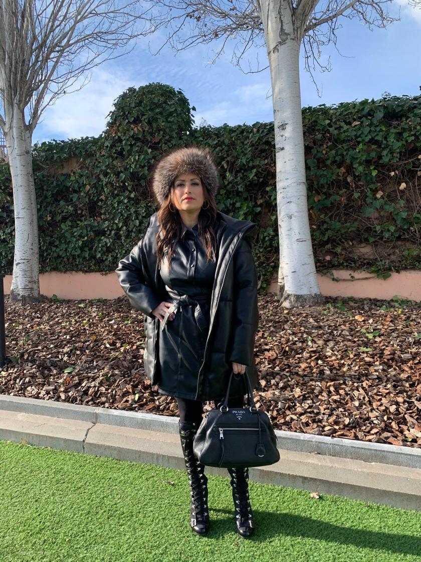 Whynot-shopper-tendencia-efecto-piel-vegana-otoño-invierno-primavera-verano-2020-street-style-must-have-blogger-Fashion-experta-moda-prada