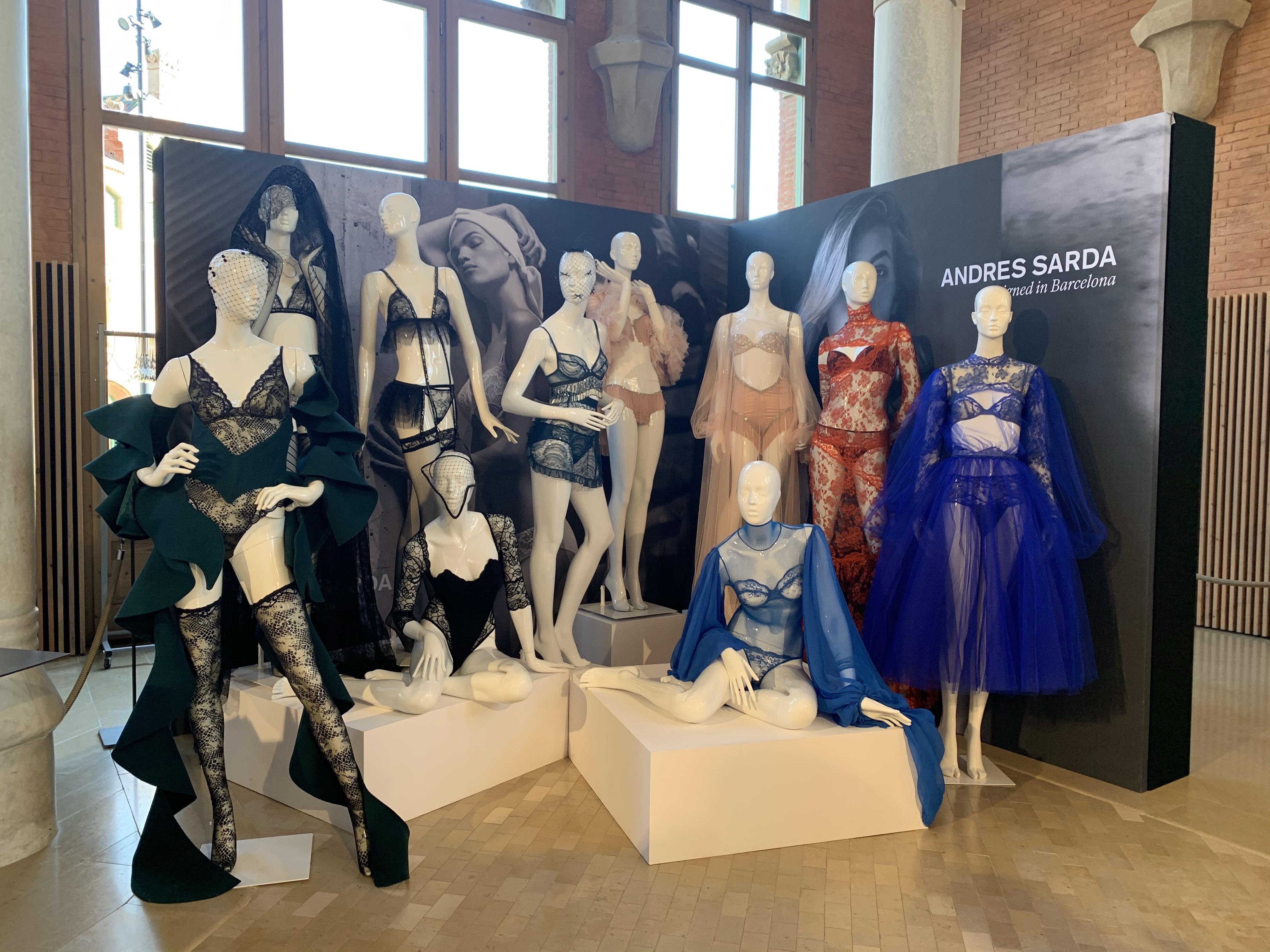 Andres-sarda-exposicion-080-bcn-fashion-barcelona-lenceria-moda-style
